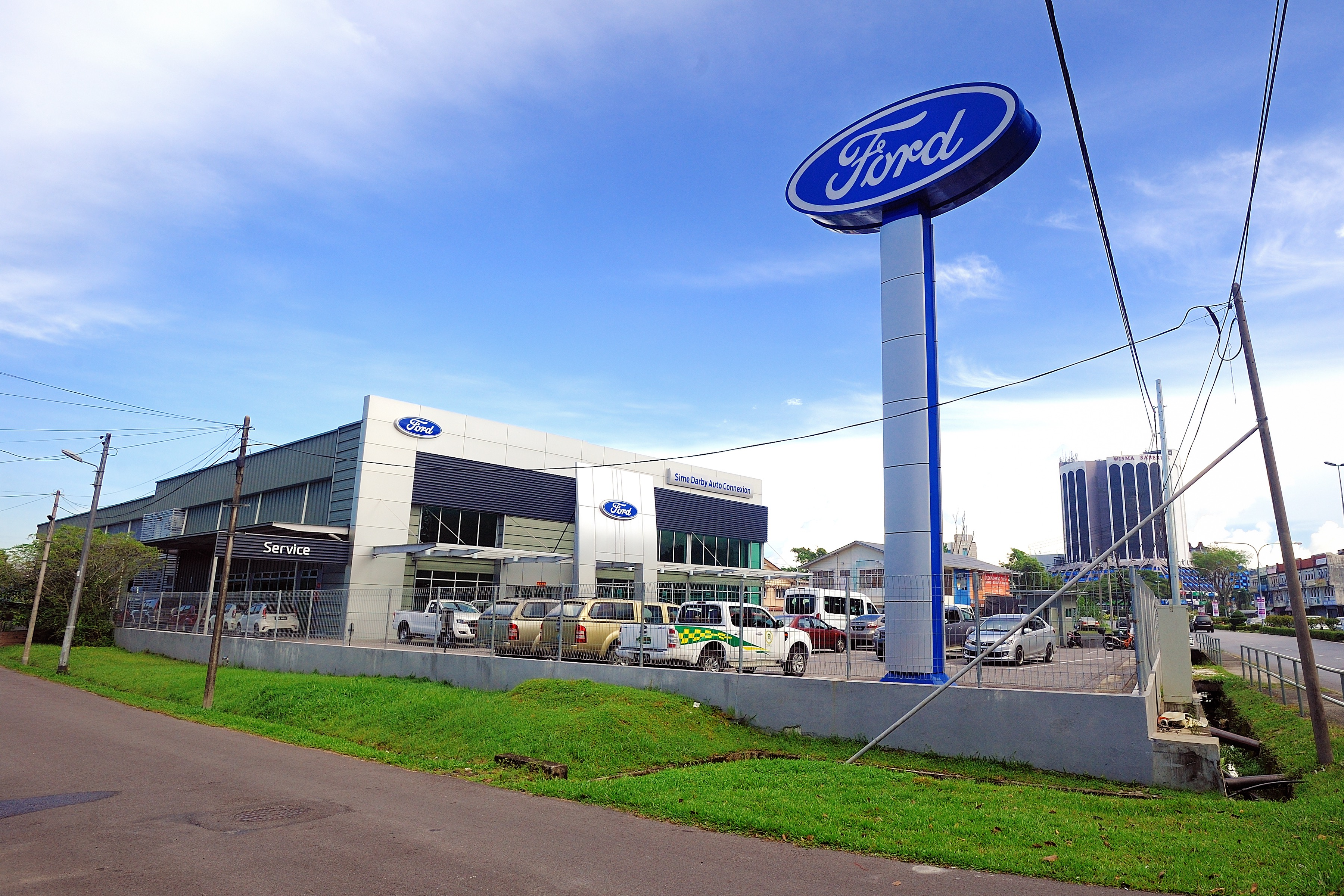 Sime Darby Auto Connexion Opens New Ford Showroom in Kuching, East