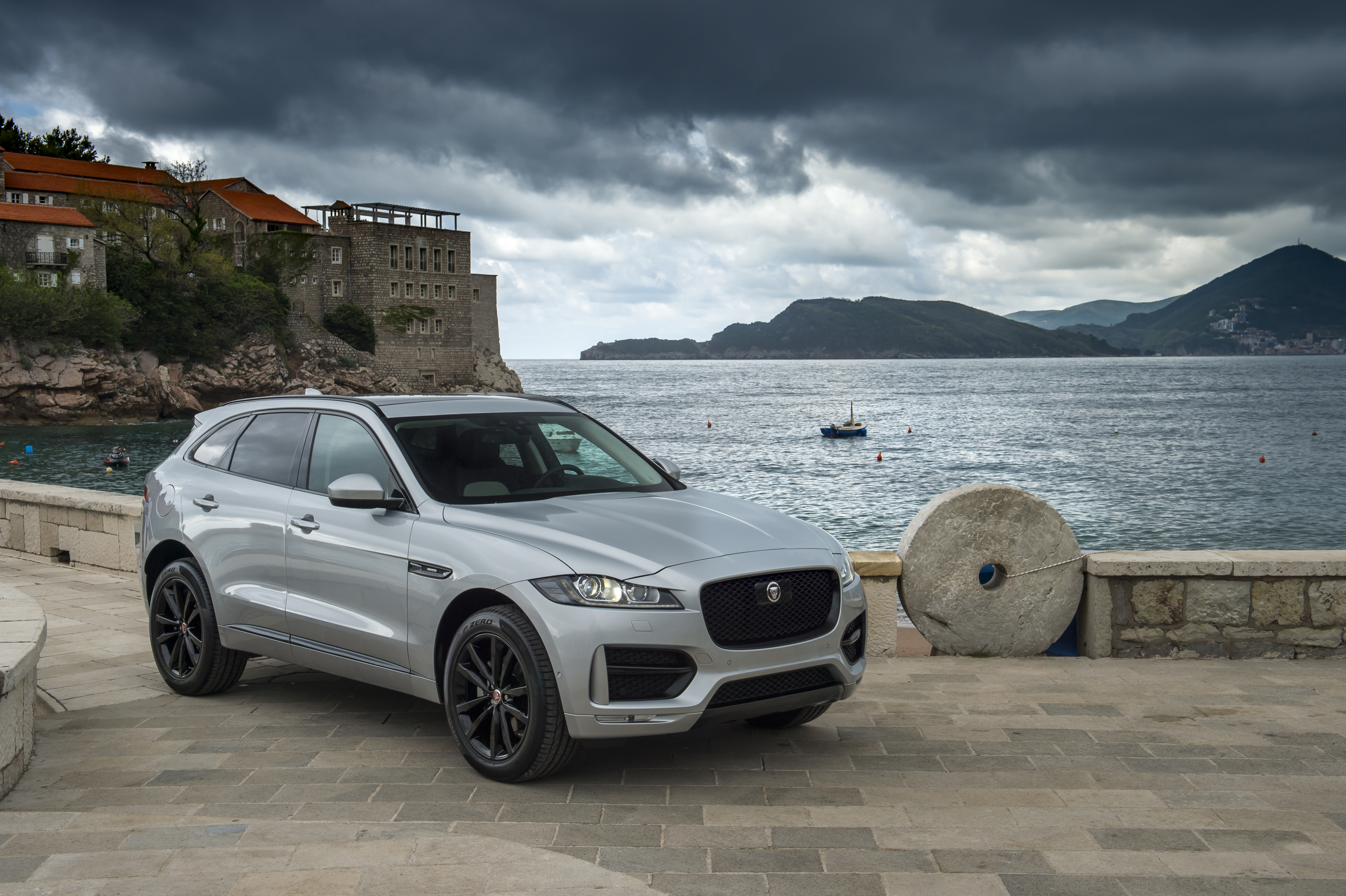 Petaling Jaya 10 April 2018 Jaguar Land Rover S F Pace 2 0l Ingenium Suv Is Officially Launched At All Showrooms Available In Three Variants